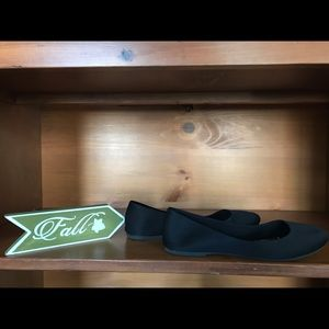 Time and Tru Flats Size 8